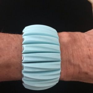 Mid Century Expandable Bracelet 😎